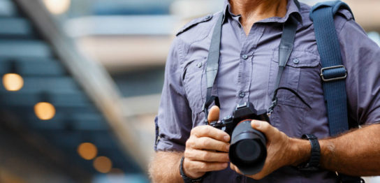 一眼レフの持ち運び方 持ち運びに便利なカメラアクセサリーを紹介