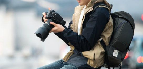 ミラーレスカメラに合うカメラバッグの選び方とおすすめのブランド