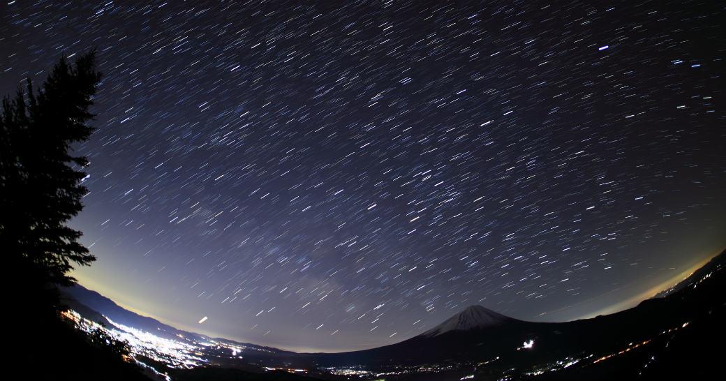 星を撮影するために必要な物とおすすめのカメラについて解説