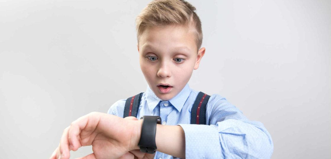 腕時計の子供向けアナログ時計とデジタル時計 利点と欠点の解説