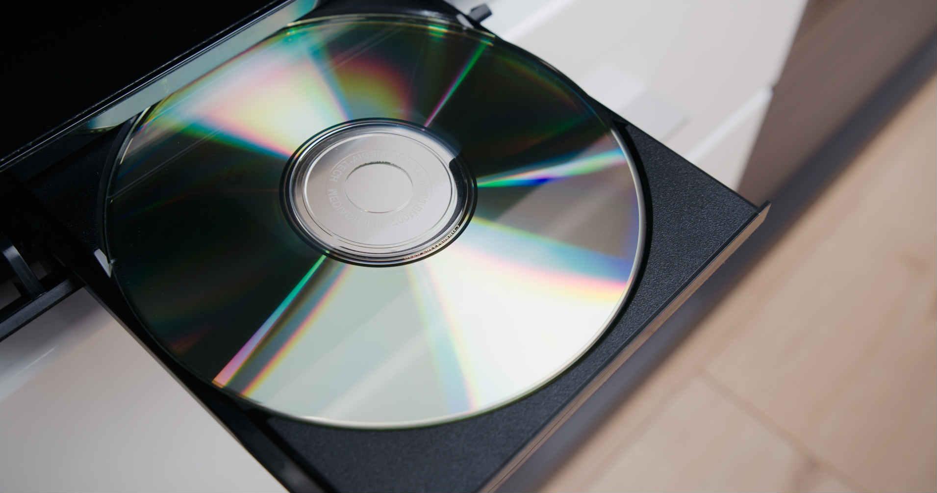 DVDプレーヤーってなに?選び方のポイントとおすすめの品を解説
