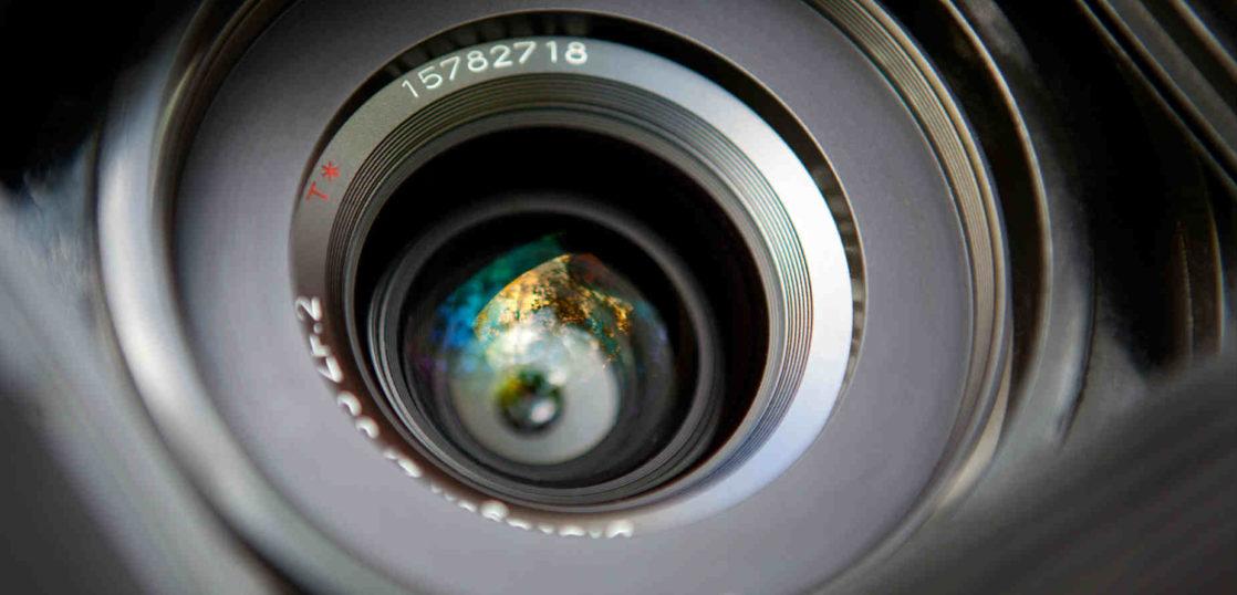 広角レンズはどんな仕組みなのか 使いこなす際の注意点と選ぶコツ