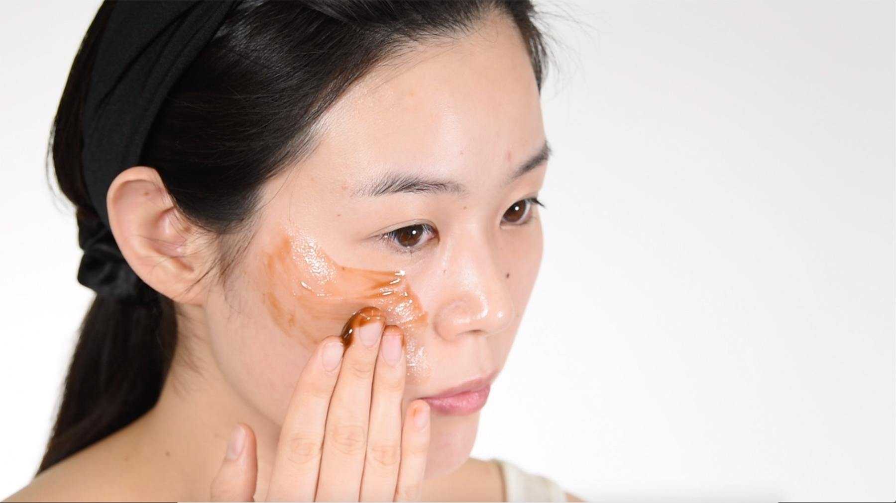 ブラックソープ洗顔料の使い方