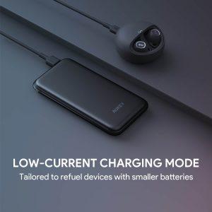 AUKEY 革新を図る新製品!無線と有線両用で携帯性抜群の8000mAh Qi対応モバイルバッテリー④